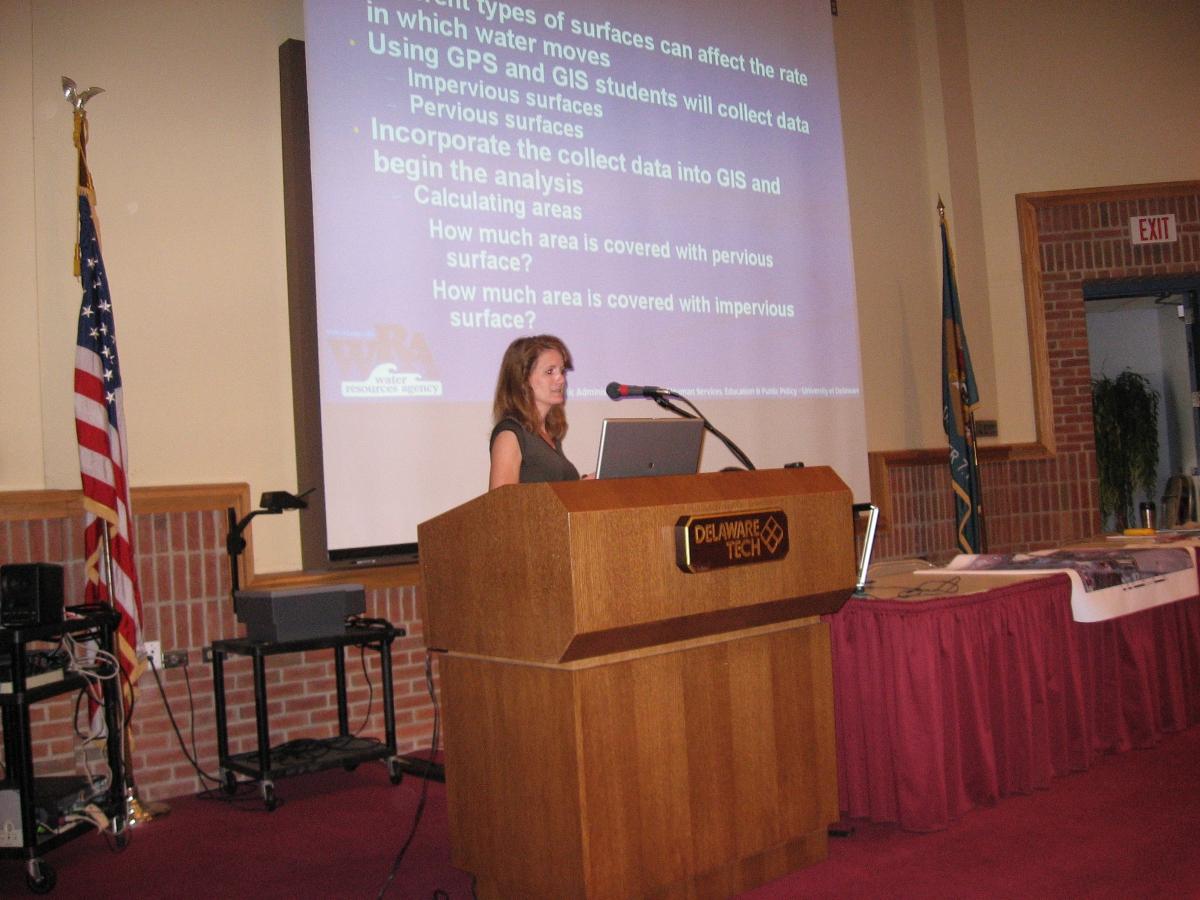 Nicole Minni presenting at the DTCC Summer TRIO Program