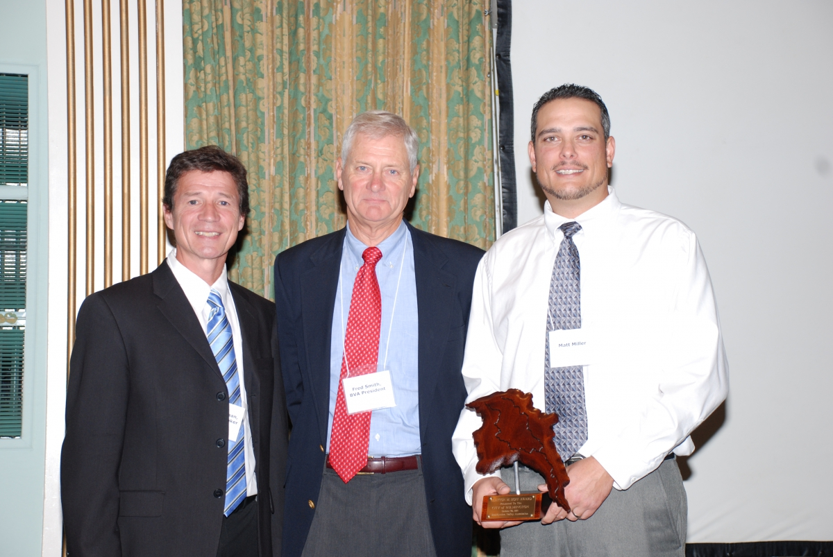Matt Miller and Jerry Kauffman at BVA annual dinner, Oct. 2011