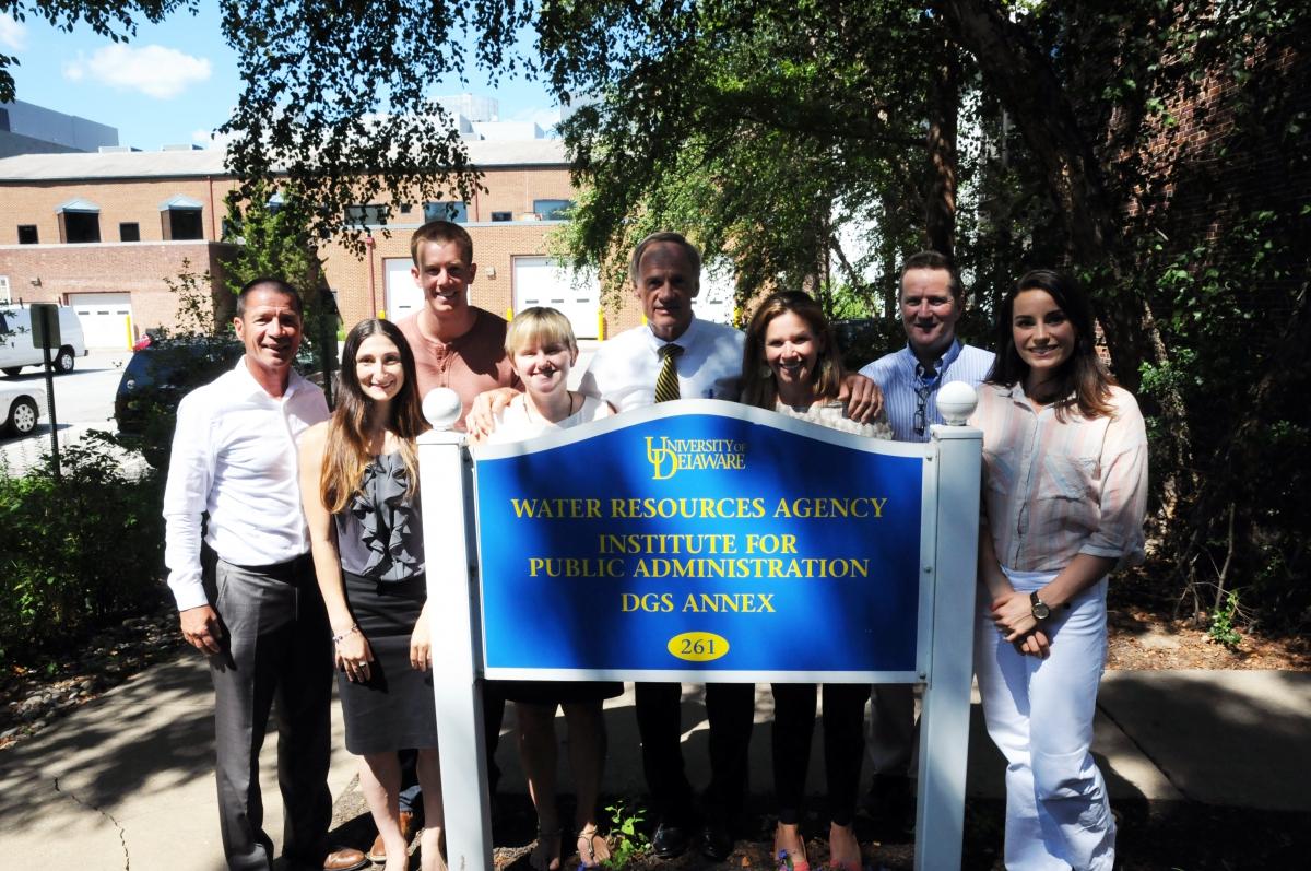 Senator Tom Carper visits DWRC, Aug. 2016