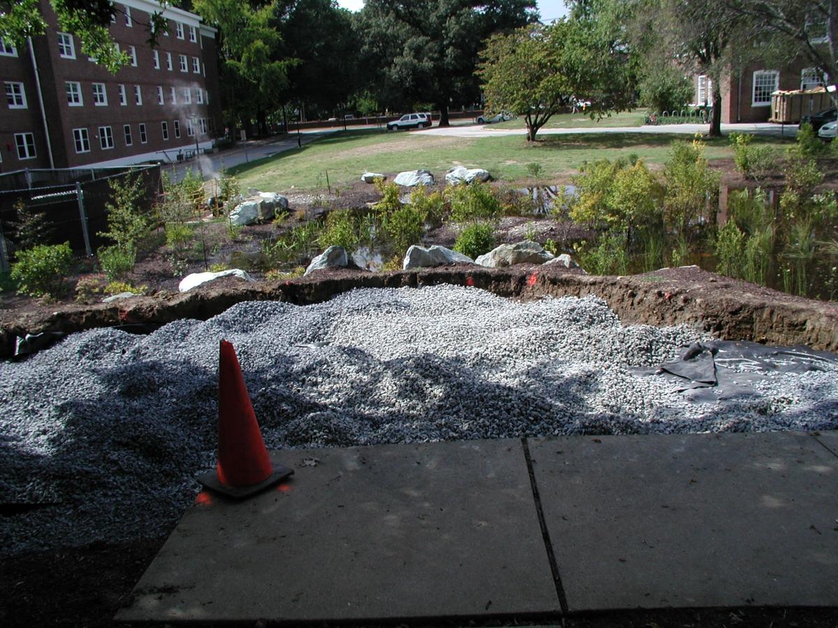 UD Rain Garden Observation Deck Installation, Sept. 2005