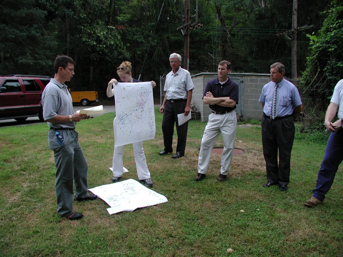 Water supply talk at Newark intake, Aug. 2002